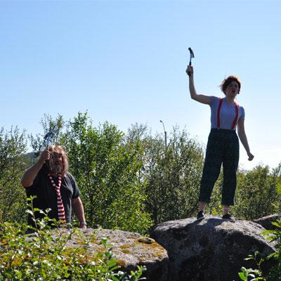 Æventyrstien dame med hammer